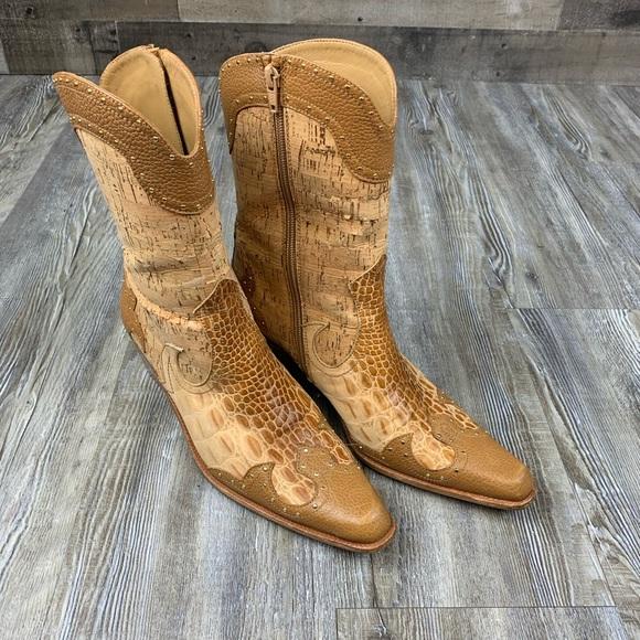 Stuart Weitzman Tan Western Cowboy Boots Size 8.5